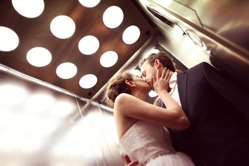 sesja ślubna w windzie